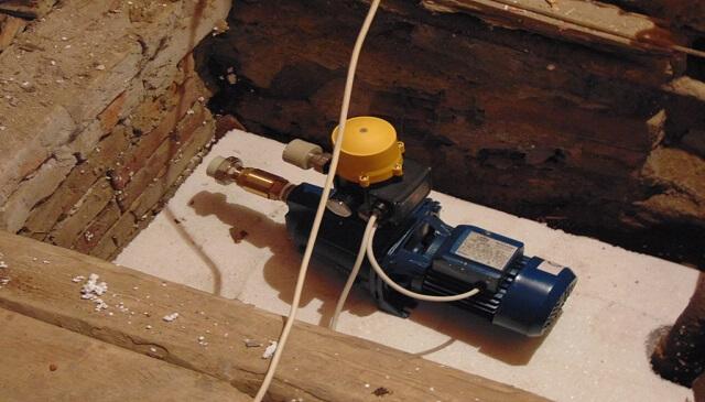 У Чопі, в багатоповерхових будинках встановили насос для підкачування води