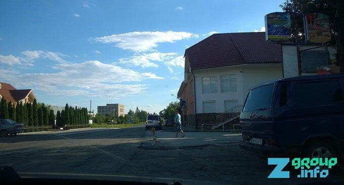У селі Ільниця провели незначні ремонтні роботи дороги