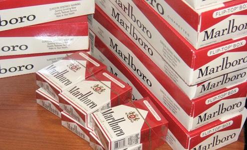 Українець намагався перевезти тютюнові вироби