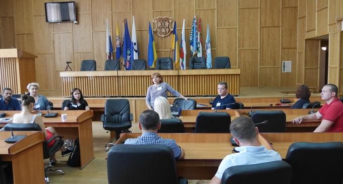 """Ужгородські депутати взяли участь у панельній дискусії з ГО """"Криворіжці"""""""