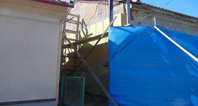 Продовжується ремонт будівлі музичної школи у Чопі