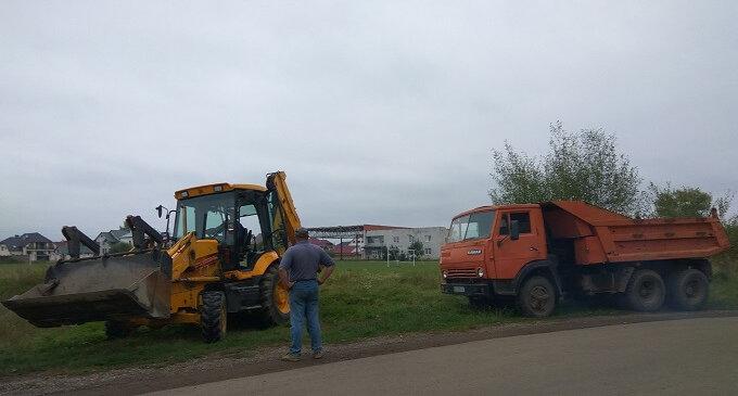 У Іршаві продовжуються роботи по підготовці до осінніх паводків