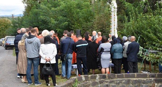 У Залужжі вшанували пам'ять людей, які загинули у жахливій автокатастрофі