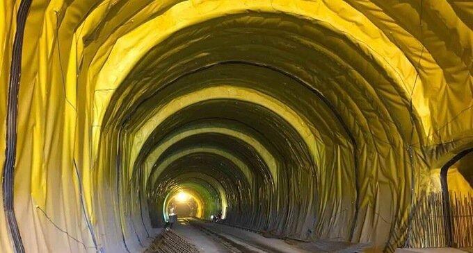 Масштабне будівництво Бескидського тунелю завершено