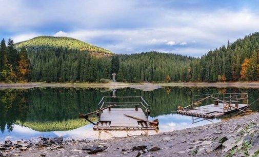 На Закарпатті заборонять вхід на озеро Синевир