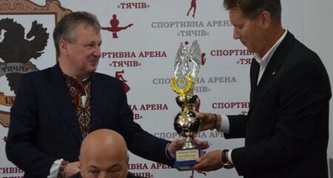 Буряк став почесним громадянином Тячева