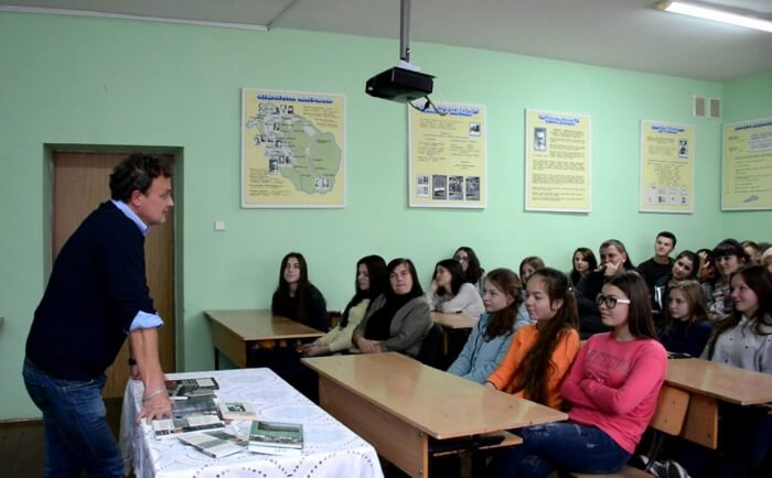 В Ужгороді приватну фірму зобов'язали повернути школі майно, закуплене за бюджетні кошти