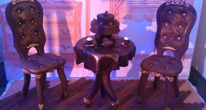 На Закарпатті продаються шоколадні меблі