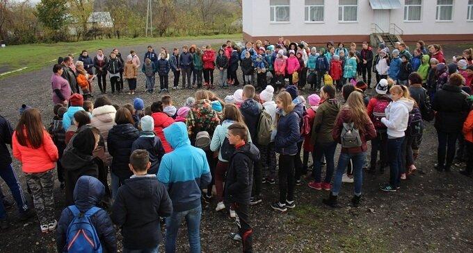 У Приборжавському провели районні змагання з туристичного побуту