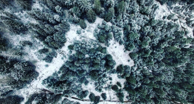Засніжене Міжгір'я показали з висоти пташиного польоту (ВІДЕО)