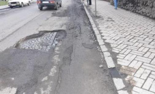 В Іршаві планують й далі відкопувати бруківку з-під асфальту