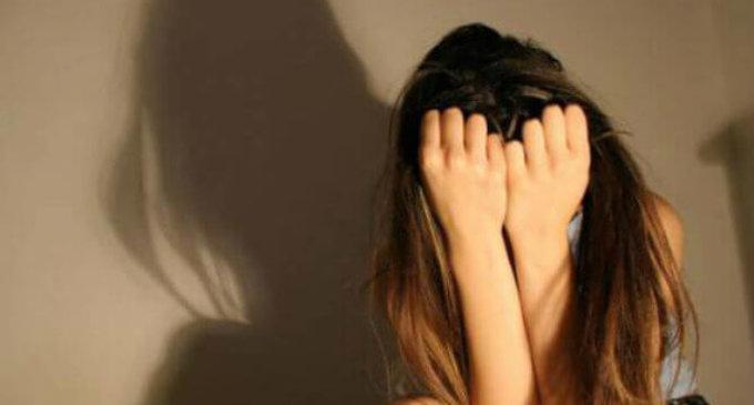 На Закарпатті батько зґвалтував свою 10-річну доньку