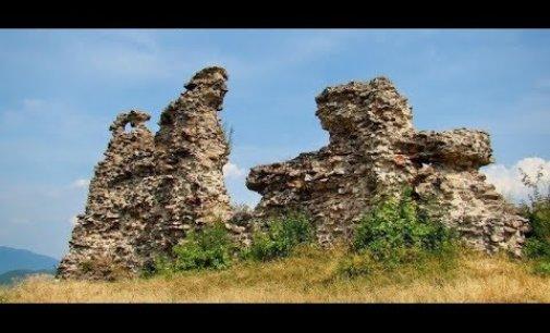 Відео: Замок Нялаб в Королево