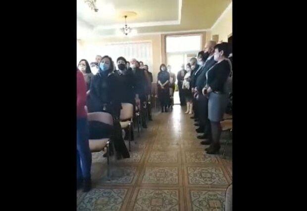 Угорське посольство виправдало закарпатських депутатів, які виконали гімн Угорщини