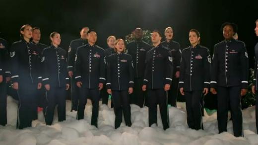 """Військовий оркестр США привітав Україну """"Щедриком"""" (відео)"""