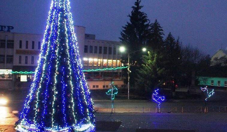 Жителів Іршави запрошують на запалення новорічної ялинки