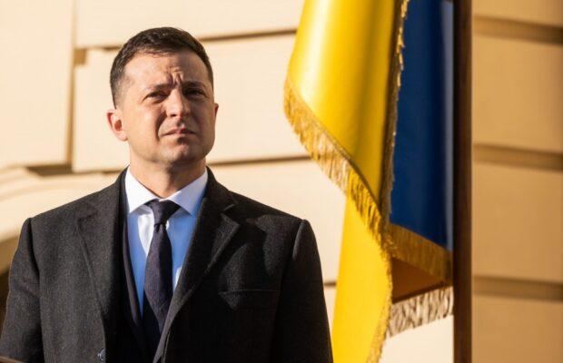 Зеленський зупинив трансляцію телеканалів Медведчука на 5 років