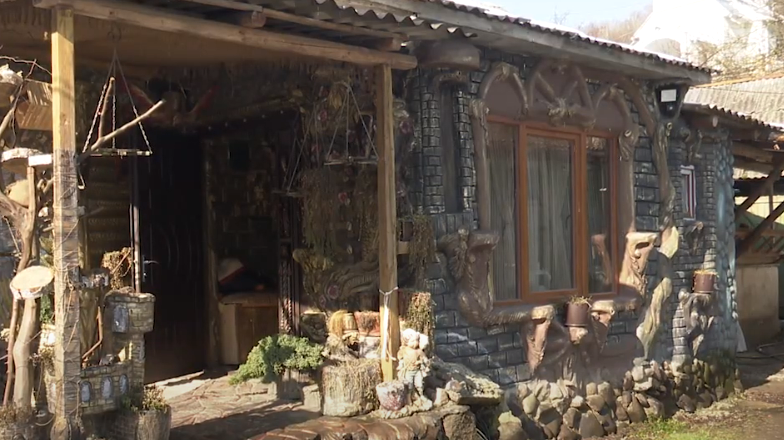 Закарпатка перетворила свою хату у казковий будинок. Українці вражені побаченим