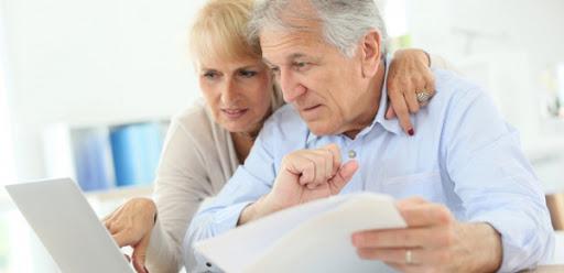 Пенсійний вік знову підняли: коли тепер на пенсію