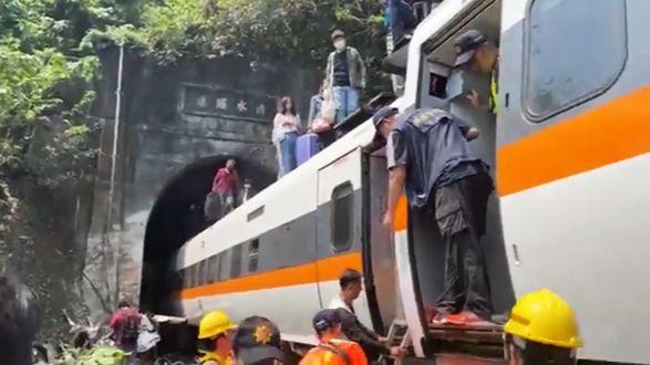 Найбільша аварія потягу за десятиліття: де сталася, чи є постраждалі