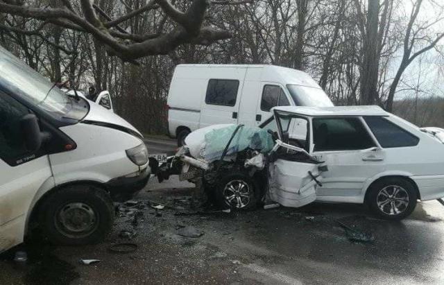 Смертельна аварія на Закарпатті: загинув водій легкового авто