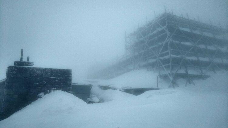 15 см снігу випали у Карпатах – фото