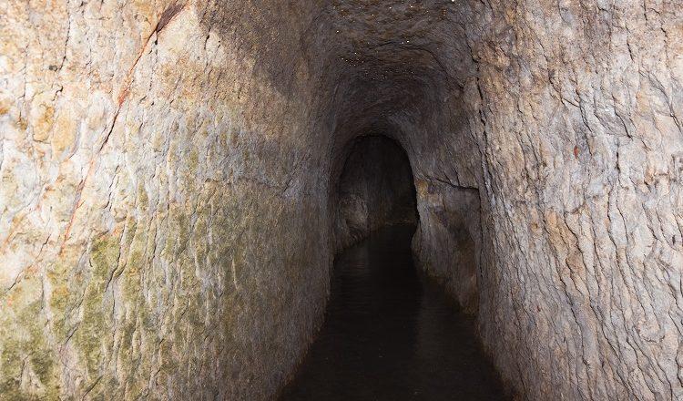 Блогер показав унікальну печеру-монастир (Відео)