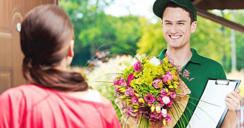 В каких случаях актуальна доставка цветов и куда стоит обратиться